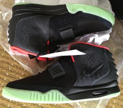 Nike Air Yeezy 2's - Black/Pink