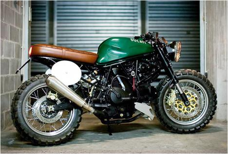 DUCATI SUPER SPORT 600 | BY MARCO ARTIZZU